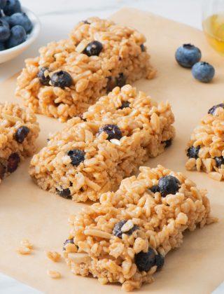No-Bake Blueberry Cereal Bars
