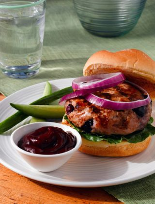 Blueberry-Lemongrass Turkey Burgers With Blueberry Ketchup