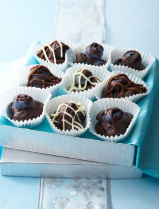 Blueberry Chocolate Clusters